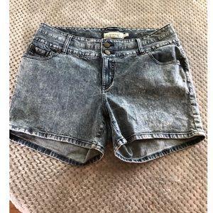 Torrid High Rise Jean Shorts Size 16